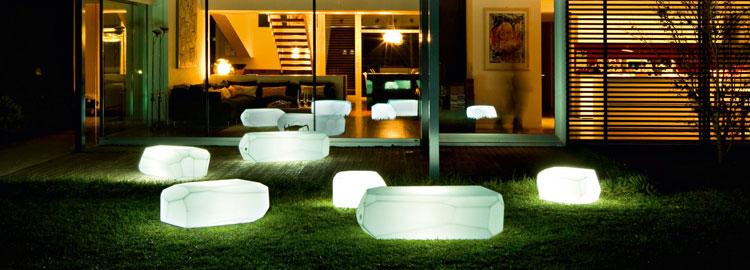Mobilier lumineux et d corations jardinchic for Mobilier lumineux exterieur