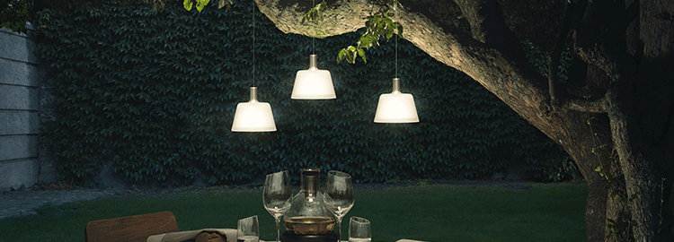 Suspensions luminaires d 39 ext rieur jardinchic for Lustre exterieur design