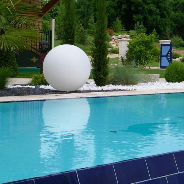 Boule lumineuse batterie led sans fil jardinchic for Boules lumineuses piscine