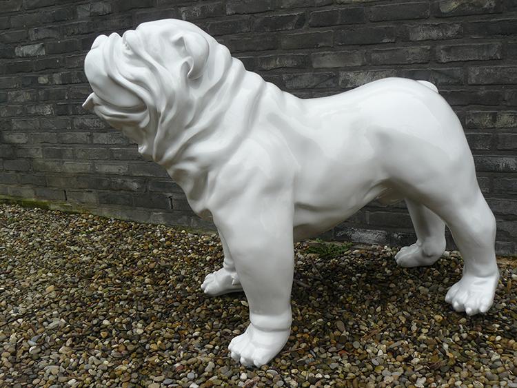 statue bulldog anglais laqu jardinchic. Black Bedroom Furniture Sets. Home Design Ideas