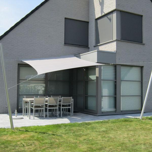 voile d 39 ombrage ingenua carr e jardinchic. Black Bedroom Furniture Sets. Home Design Ideas