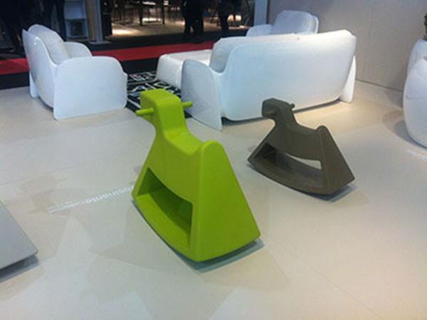 chaise bascule rosinante pour enfants jardinchic. Black Bedroom Furniture Sets. Home Design Ideas