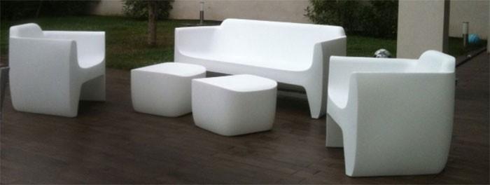 table basse pouf translation jardinchic. Black Bedroom Furniture Sets. Home Design Ideas