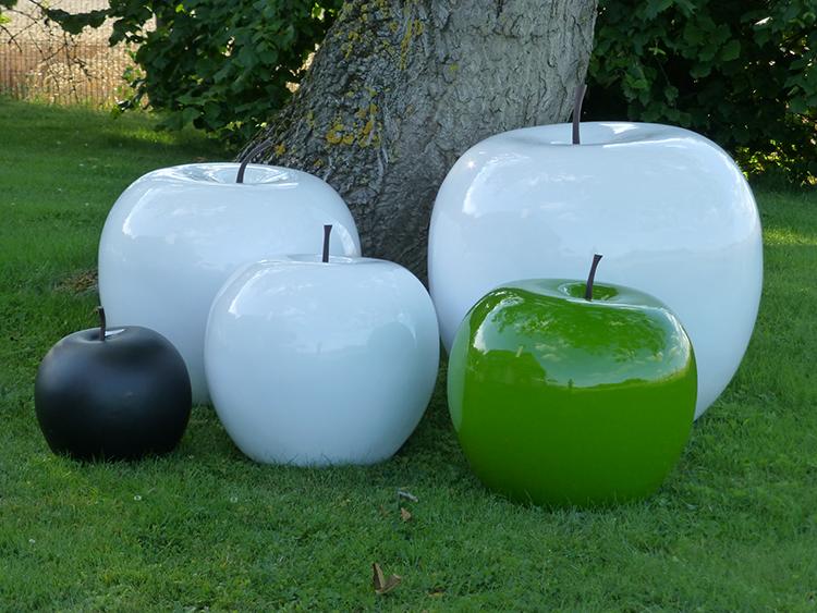 Sculpture pomme en polyr sine jardinchic for Objets decoratifs de jardin