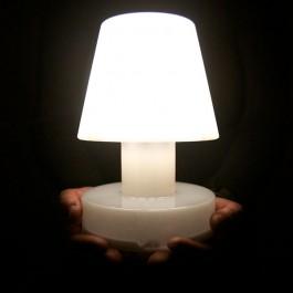 Lampe Portable Bloom Solar Bloom allumée JardinChic