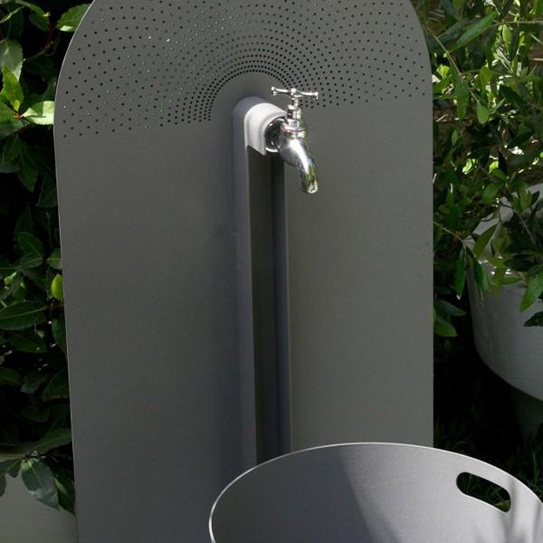Robinet laorus jardinchic for Plaque murale robinet exterieur