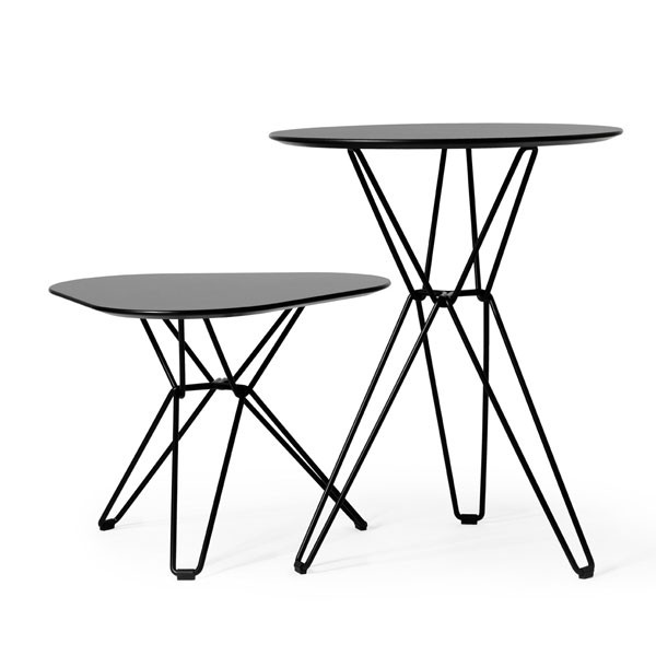 table basse triangulaire tio jardinchic. Black Bedroom Furniture Sets. Home Design Ideas