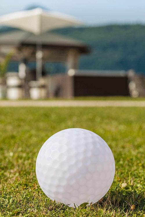 Boule lumineuse golfball jardinchic for Luminaire exterieur boule jardin