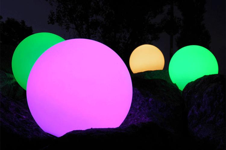 Boule lumineuse globe jardinchic for Globe lumineux exterieur