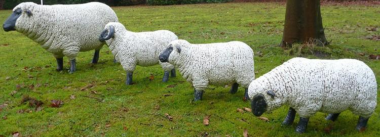 Statue mini mouton jardinchic for Mouton deco jardin