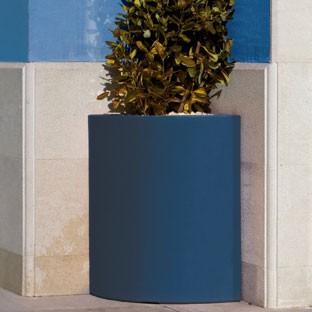 Pot Angular Bleu Marine Vondom Jardinchic