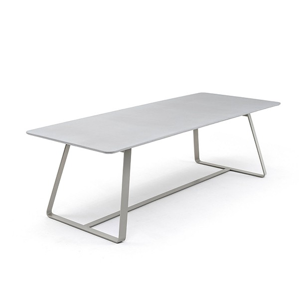 Table de Repas Kolonaki Structure Gris Soie Plateau Ciment Varaschin Jardinchic