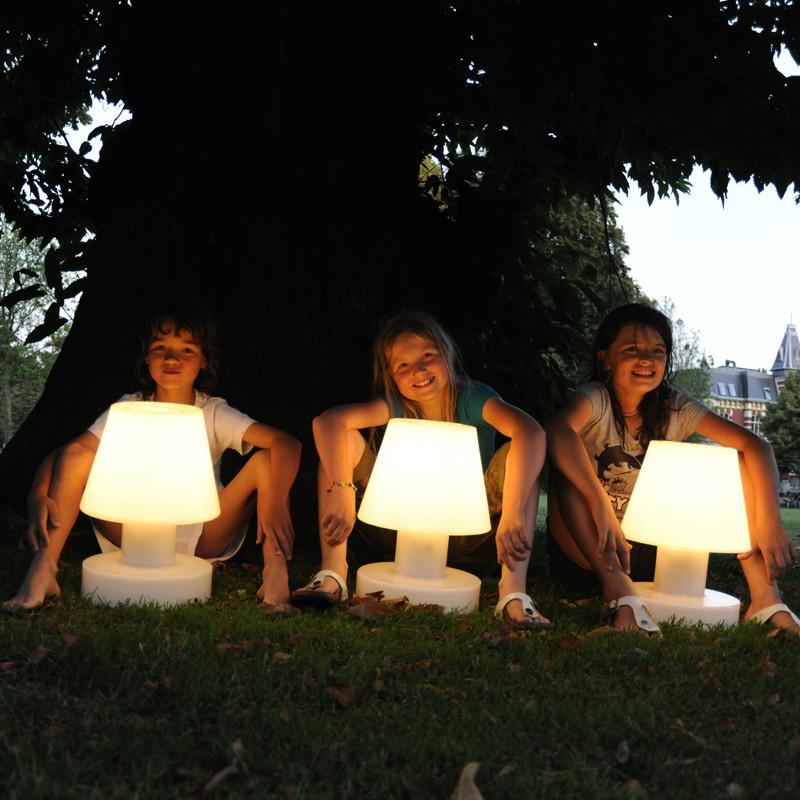 Lampe portable avec batterie rechargeable h56cm jardinchic for Luminaire exterieur rechargeable