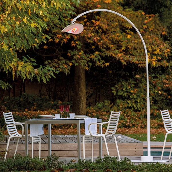 lampadaire chauffant terrasse awesome parasol chauffant mitis n with lampadaire chauffant. Black Bedroom Furniture Sets. Home Design Ideas
