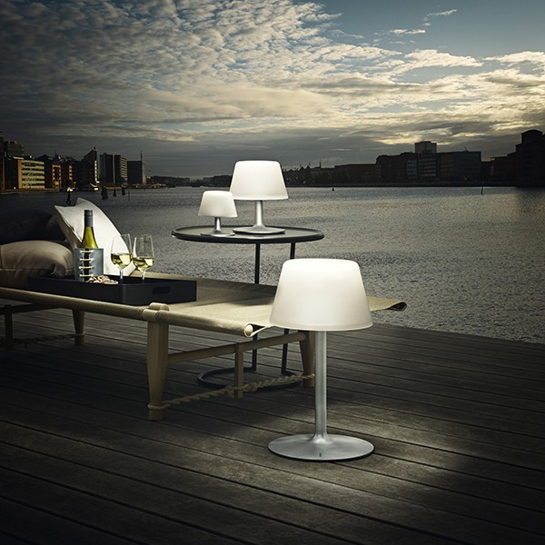 lampe solaire sunlight lounge small jardinchic. Black Bedroom Furniture Sets. Home Design Ideas