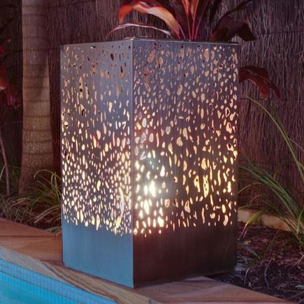 chemin e d 39 ext rieur lantern jardinchic. Black Bedroom Furniture Sets. Home Design Ideas