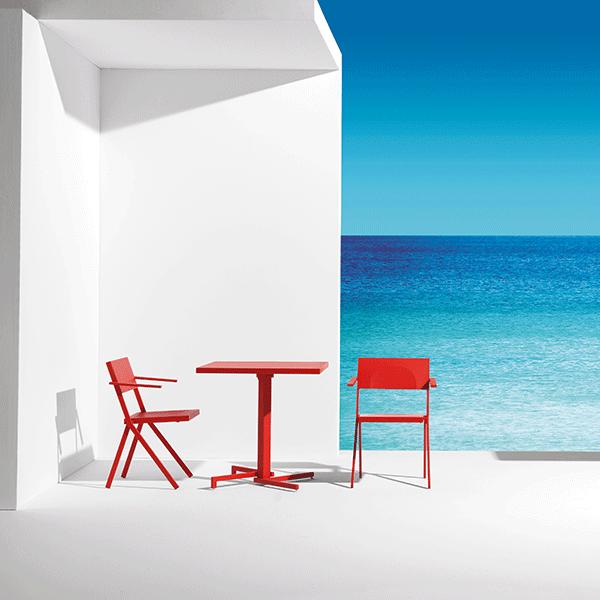 Lot de 4 chaises avec accoudoirs mia jardinchic for Ambiance tables et chaises reims