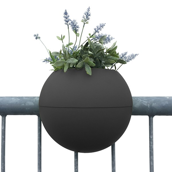 pot de balcon ballcony bloomball jardinchic. Black Bedroom Furniture Sets. Home Design Ideas