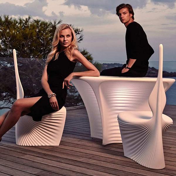 Table avec plateau HPL Biophilia Blanc avec Chaises Biophilia Blanc (vendues séparément) Vondom Jardinchic
