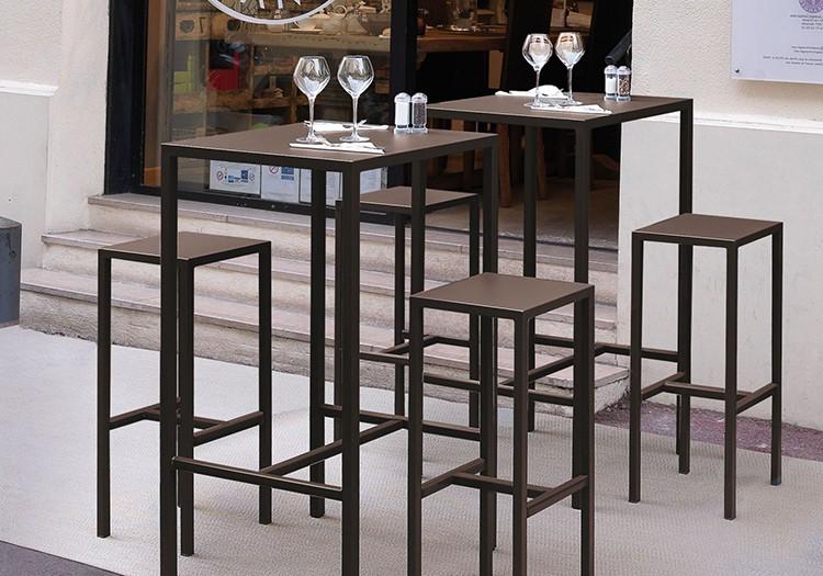 table mange debout quadrix jardinchic. Black Bedroom Furniture Sets. Home Design Ideas
