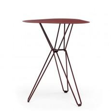 Table de café triangulaire Tio Rouge MassProductions JardinChic
