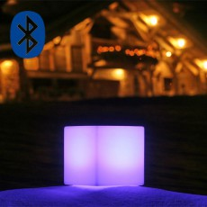 Lampe à Poser Cube  Violet Smart and Green JardinChic