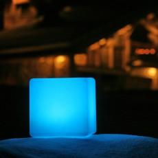 Lampe à Poser Bigcubb Bleu Smart and  Green JardinChic
