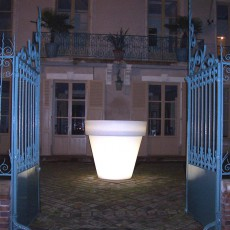 Pot Lumineux Vas Two Light neutre Serralunga Jardinchic