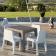 Chaises de Repas Simple Blanc et Table de Repas Simple Taupe Plust Jardinchic